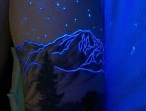 Tetování svítící ve tmě