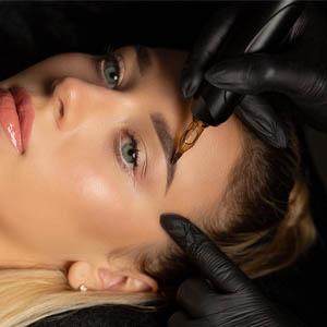 Permanentní make-up 300px
